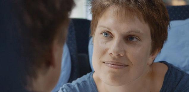 Sponsored Video: Ein Experiment mit 36 Fragen in der Bahn