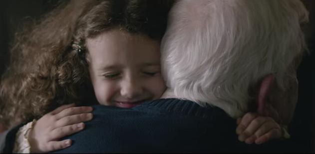 Sponsored Video: EDEKAs Videoclip #heimkommen - Zu Weihnachten Zeit schenken