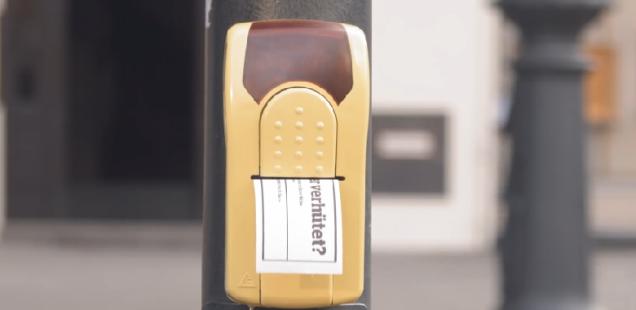 Sponsored Post: TB GUIDE foppt Passanten mit dem Ampeldrucker der Selbsterkenntnis
